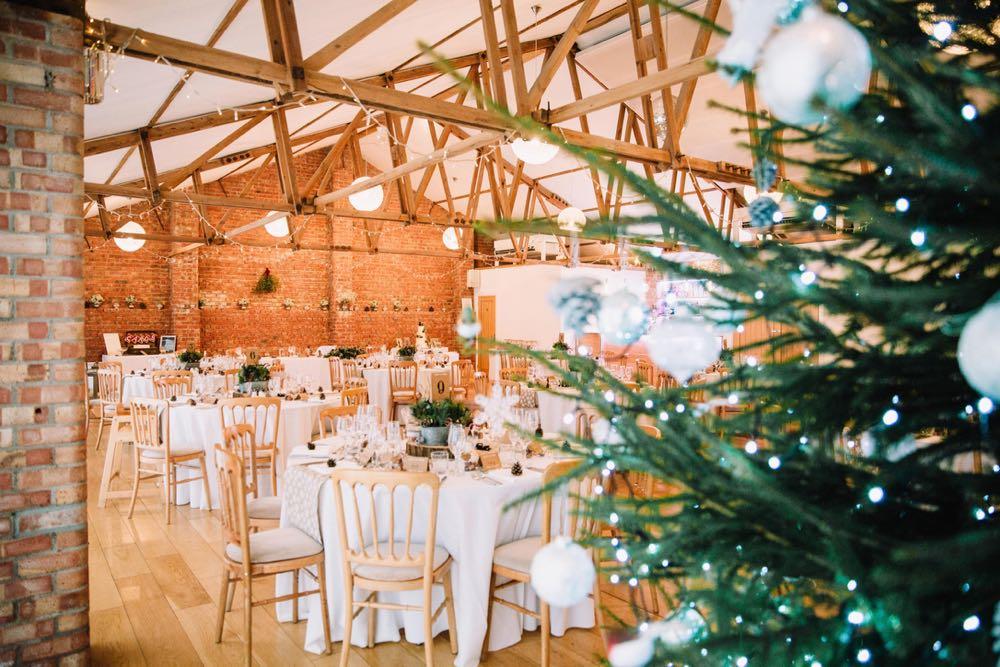 Christmas-Wedding-12